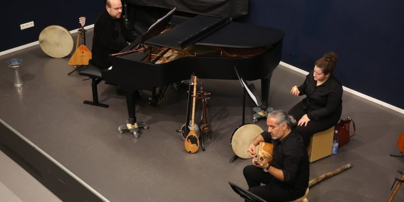 """""""Ich spiele, was ich will!"""" – Eine kulturelle Begegnung mit Musik"""